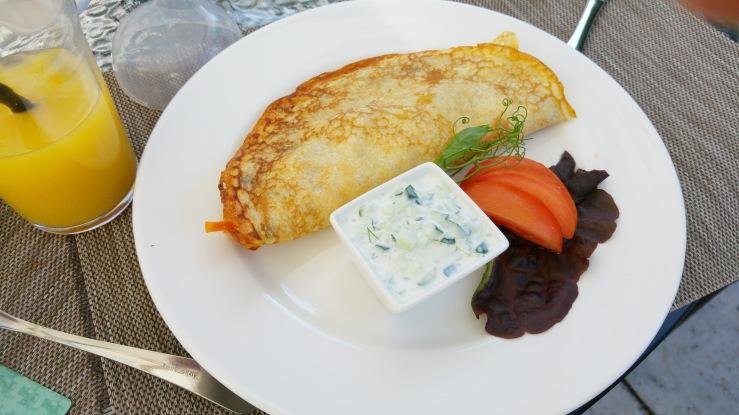 Блинчик с курицей. Pancake with chicken.