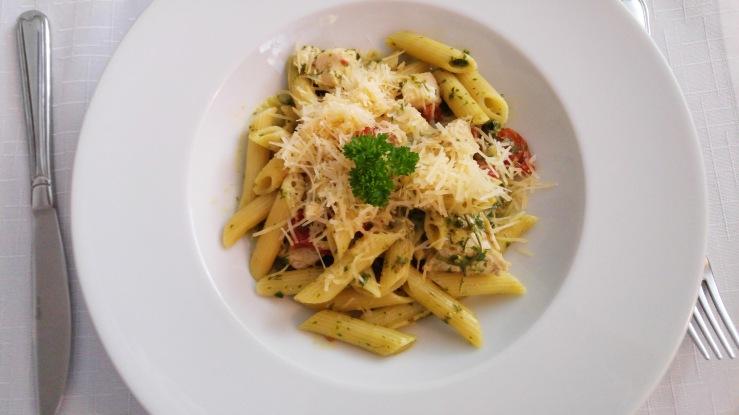 Паста с куриным филе. Chicken fillet pasta.